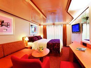 חדר עם מרפסת באונייה COSTA LUMINOSA קוסטה לומינוסה