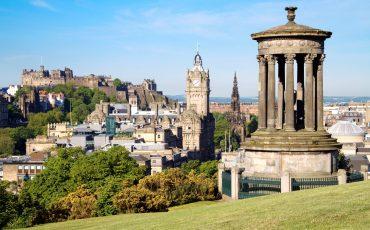 קרוז לאיים הבריטיים United Kingdom, from South Queensferry - Edinburgh, Dugald Stewart Monument