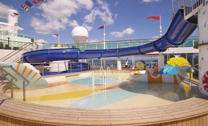 מגלשת מים באוניית Serenade of the Seas royal caribbeanסרנדת הים